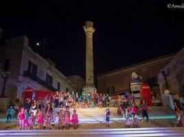 Oltre 50 bambini per la sfilata sportiva Decathlon