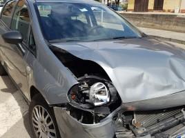 auto rotta dopo inseguimento