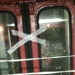 fse treno porte chiuse con il nastro adesivo 2