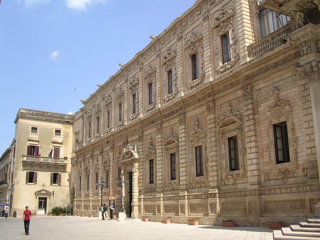 palazzo della provincia di Lecce