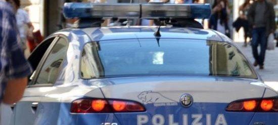 polizia macchina