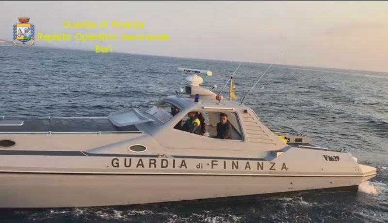 tmp 6344 20170821 guardia finanza motoscafo aeronavale1460197209