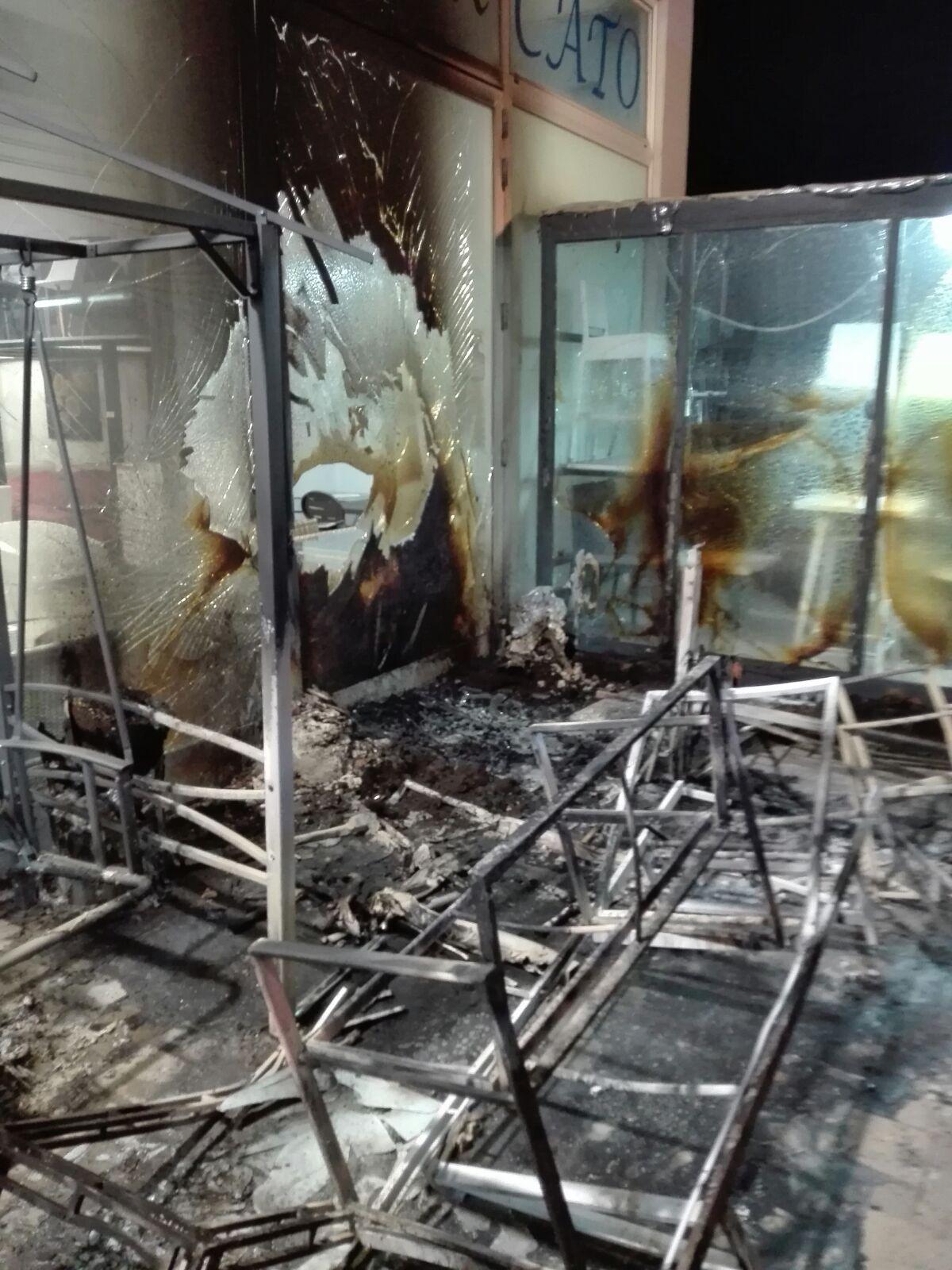 Arredo Casa Francavilla Fontana francavilla fontana: mobilificio incendiato, arrestato 38enne