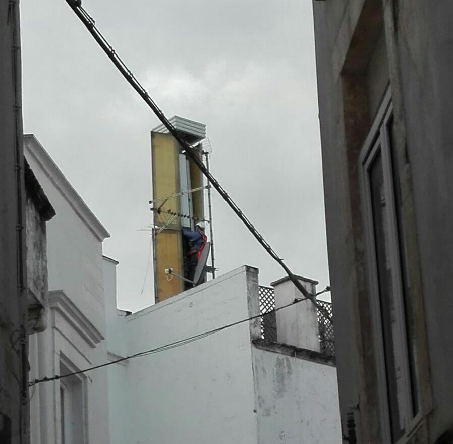 Antenna per cellulari davanti a casa mia no comment [Archivio] - Hardware Upgrade Forum