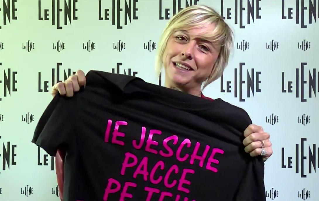 Nadia Toffa con maglietta ok