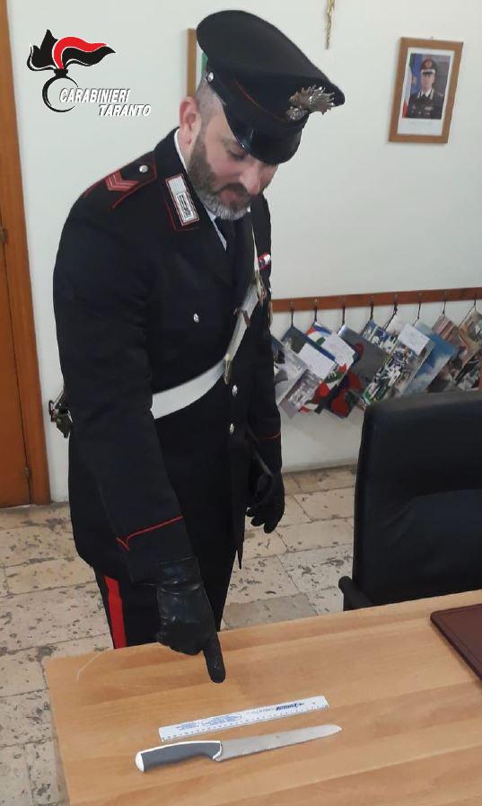 Carabiniere coltello