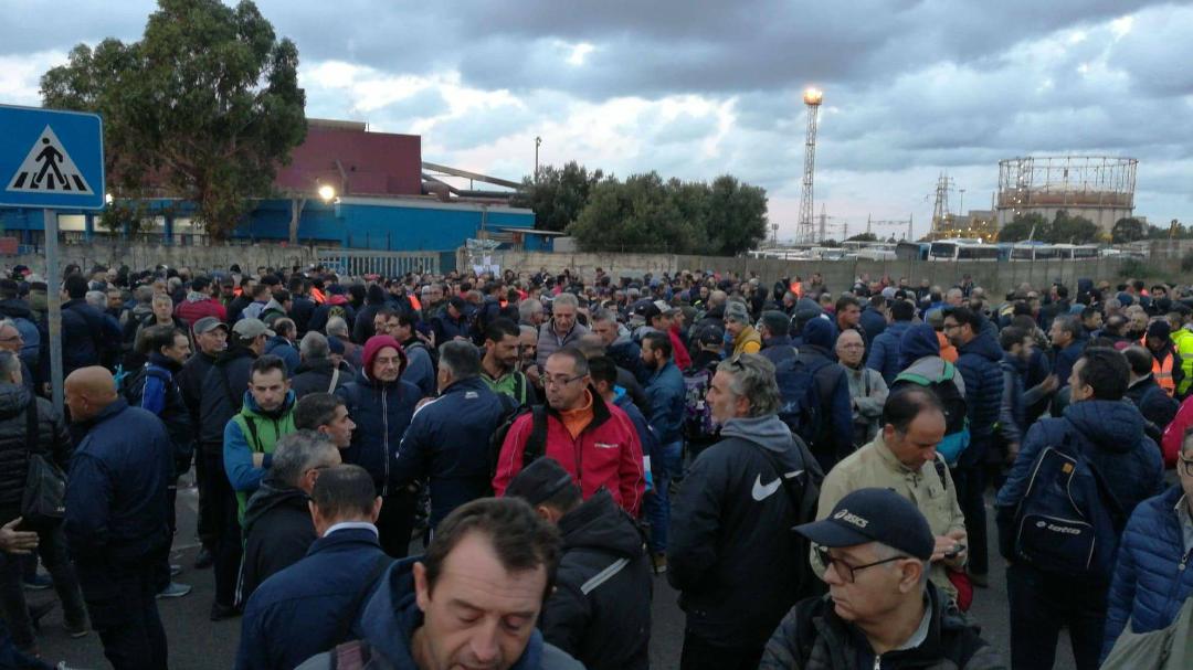 Siderurgico di Taranto: portinerie bloccate - Noi Notizie