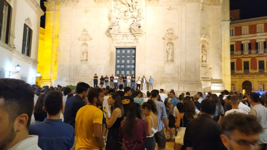 Martina Franca: flashmob dei ristoratori contro il bullismo