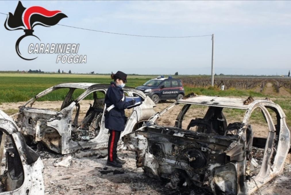Cerignola: auto rubate e ridotte a scheletri e motori rinvenuti durante il controllo Carabinieri